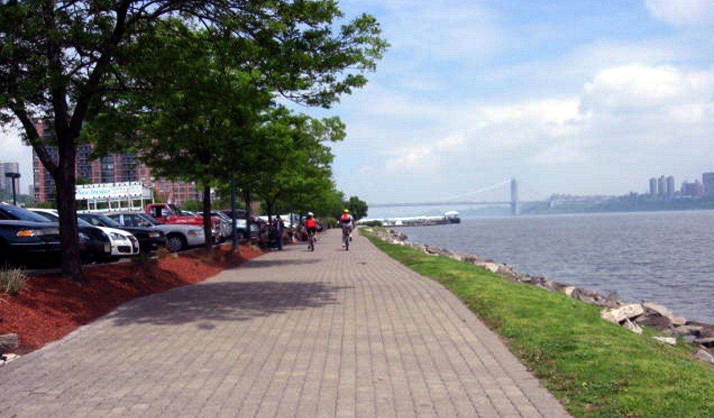 Stroll on the river's edgeEnjoy proximity to NYC shopping & entertainment